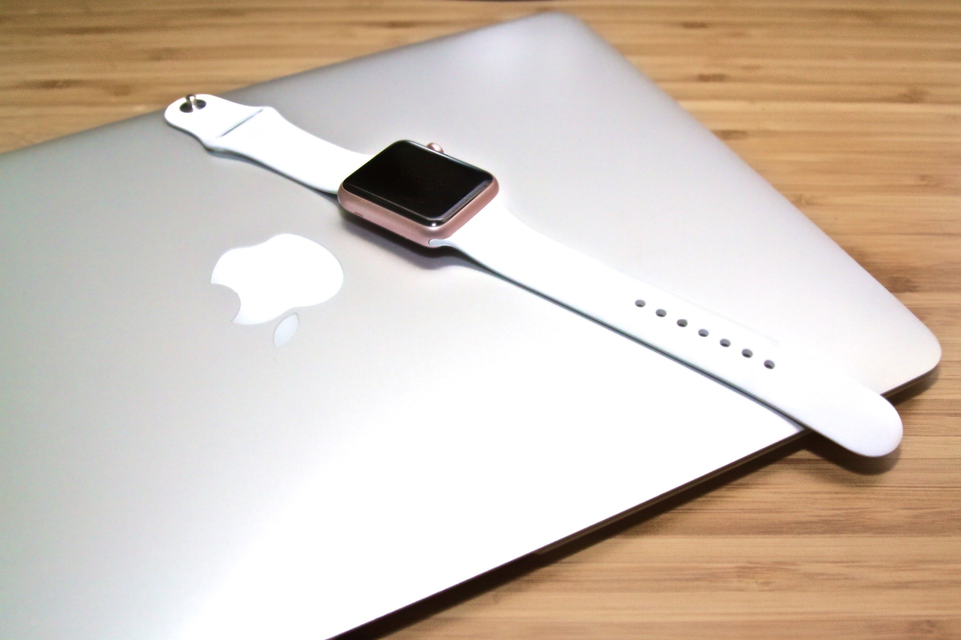 Macbook Apple Watch Relógio Apple Portugal Pedro Topete Blog